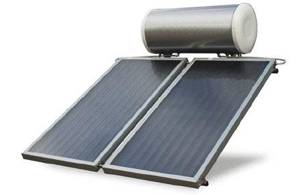 Un Kit completo a 2 piastre da lt.250. Ilpannello solare termicoè un dispositivo per la conversione dellaradiazione solareinenergia termicae al suo trasferimento, verso un accumulatore termico per la produzione di acqua calda, il riscaldamento degli ambienti, il raffrescamento solare. Si differenzia con ilpannello solare fotovoltaico, che serve solo per la produzione dicorrente elettrica.